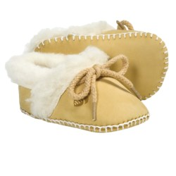 Acorn Baby Ewey Moc Slippers - Sheepskin-Wool (For Toddlers) in Dijon