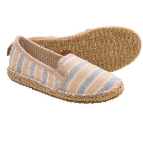 Acorn Espie Moc Shoes (For Women) in Sand Wash