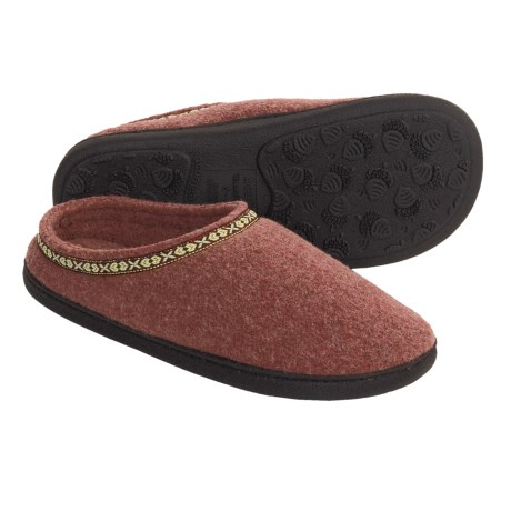Acorn Highlander Slippers (For Women) in Brick