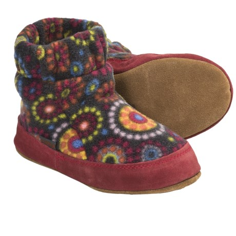 Acorn Kadabra Bootie Slippers - Fleece (For Girls) in Chocolate Dots