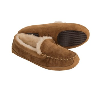 Acorn Madison Sheepskin Moccasin Slippers (For Women) in Walnut