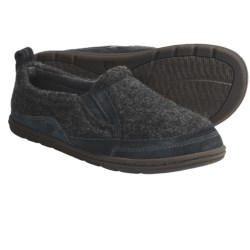 Acorn Max Moc Slippers (For Men) in Slate Knit