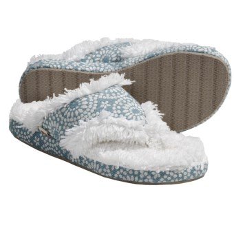 Acorn Shaggy Spa Thong II Slippers (For Women) in Warm Blue W/ White