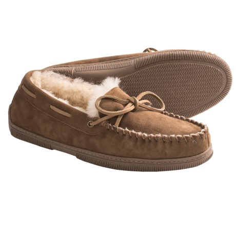 Acorn Sheep Low Moc Slippers - Suede, Sheepskin (For Men) in Chestnut