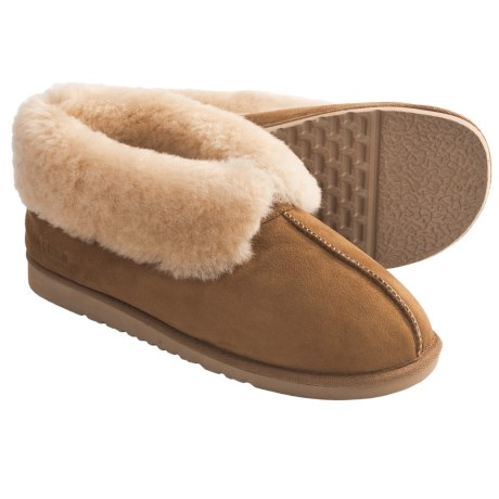 Acorn Sheep Ram Island Slippers - Sheepskin (For Men) in Olive