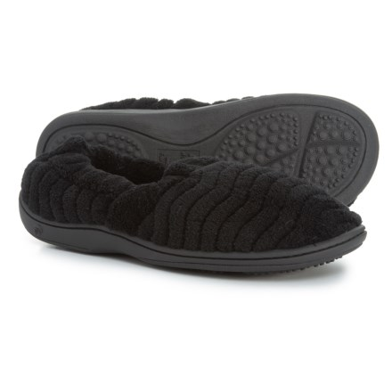 d0dac04688b Acorn Spa Support Moccasin Slippers (For Women) in Black - Closeouts