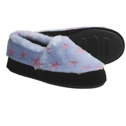 Acorn Textured Moc Slippers - Fleece (For Women) in Pink/Blue Stars