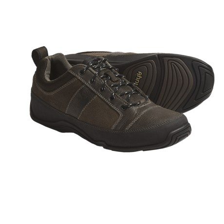 Ahnu Cole Shoes - Leather (For Men) in Smokey Brown