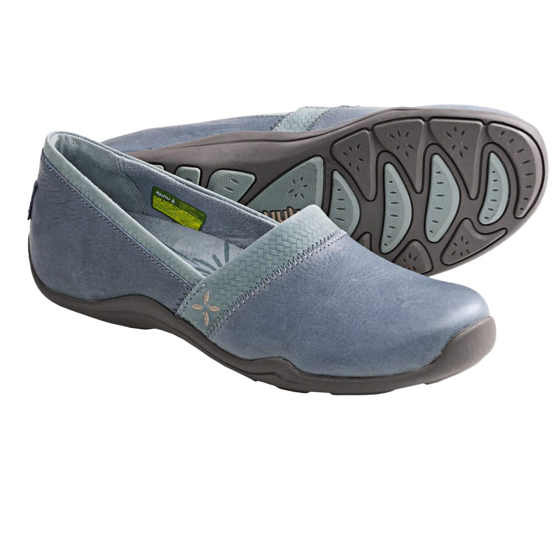 ahnu jackie basket weave embossed shoes slip ons for women save 35. Black Bedroom Furniture Sets. Home Design Ideas