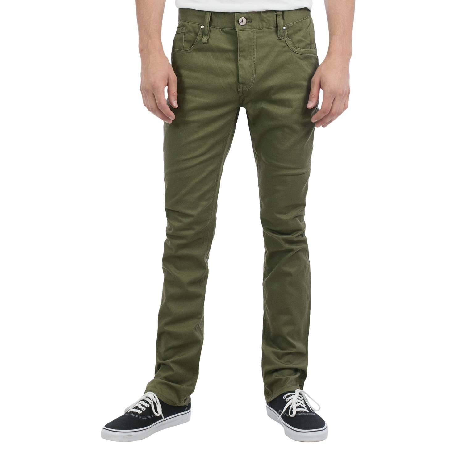 Whether you're thin, athletic, or stocky, here are the best khaki pants for your body type.