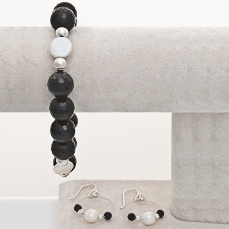 Aluma USA Onyx Bracelet and Earrings Set in Onyx