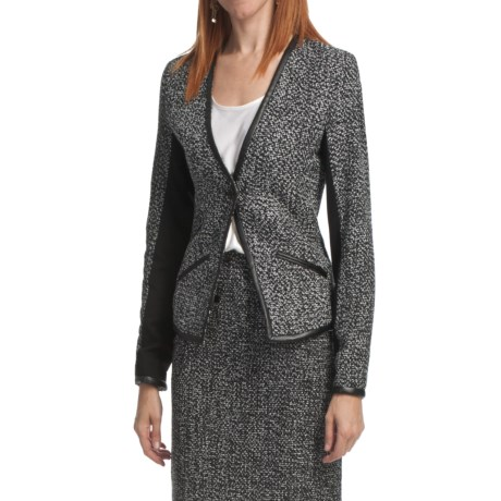 Amanda + Chelsea Boucle Jacket (For Women) in Black/White Tweed