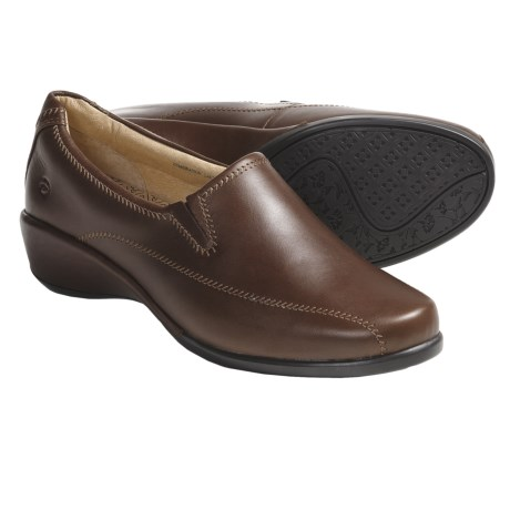 Aravon Tia Shoes - Leather, Slip-Ons (For Women) in Brown