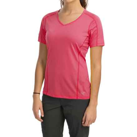 Arc'teryx Motus Crew Shirt - UPF 25, Short Sleeve (For Women) in Pink Tulip - Closeouts