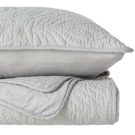 Artisan de Luxe Meadow Quilt Set - Full-Queen in Glacier Grey