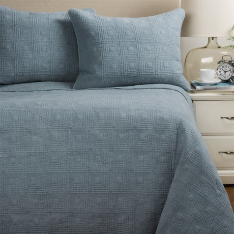 Artisan De Luxe Stonewashed Diamond Quilt Set - Full-Queen in Dusty Blue