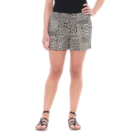 """Artisan NY Printed Shorts - 4"""" (For Women) in Black/White Combo"""