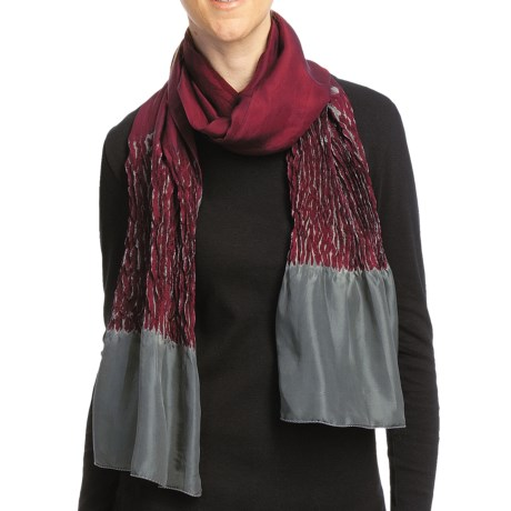 Asian Eye Dolphin Shibouri Scarf - Silk (For Women) in Wine