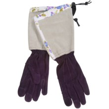 Auclair Deer Suede Split Cuff Gloves (For Women) in Dark Purple - Closeouts