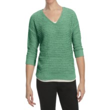 August Silk Tape Yarn Sweater - V-Neck, 3/4 Sleeve (For Women) in Aligator Green - Closeouts