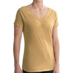 Aventura Clothing Hattie Shirt - V-Neck, Short Sleeve (For Women) in Sahara Sun