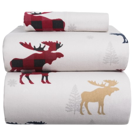 Azores Flannel Printed Moose Sheet Set - Twin in White / Red