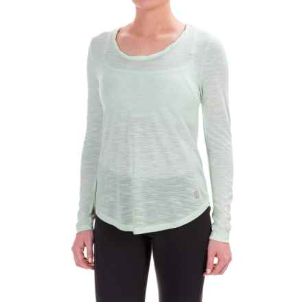 Balance Collection Audrey T-Shirt - Long Sleeve (For Women) in Green Applemint - Closeouts