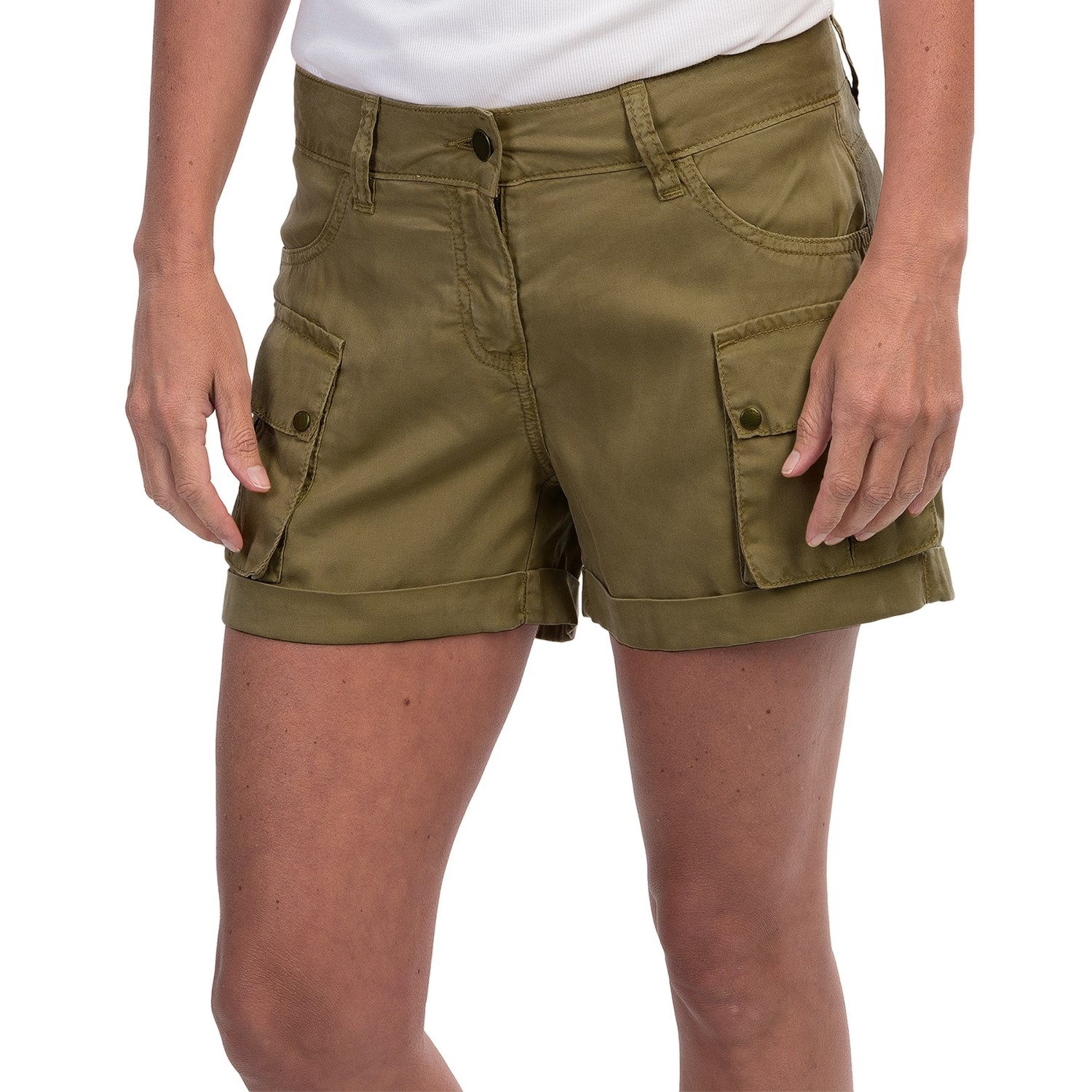 Or if you want to infuse your khaki collection (and if you don't have one, start one) with some utilitarian edge (one of our biggest influences), we've got just you need. With durable construction and classic military styling, our cargo shorts for men are up to the task.