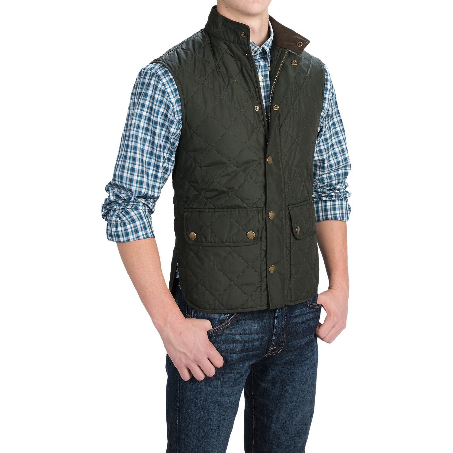 Made by Coleman, this vest is a great find! It is black colored with brown accents! It has two front pockets to keep your hands warm. It has no sleeves.