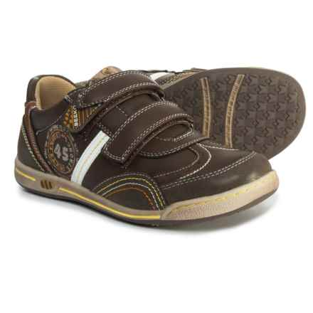 Beeko Jameson II Sneakers (For Boys) in Brown - Closeouts