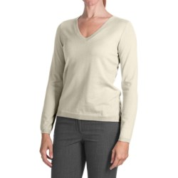 Belford Merino Wool Sweater - V-Neck (For Women) in Antique