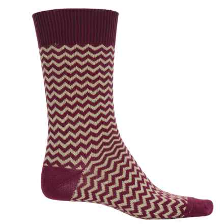 b.ella Rinaldo Chevron Socks - Mercerized Cotton Crew (For Men) in Merlot - Closeouts