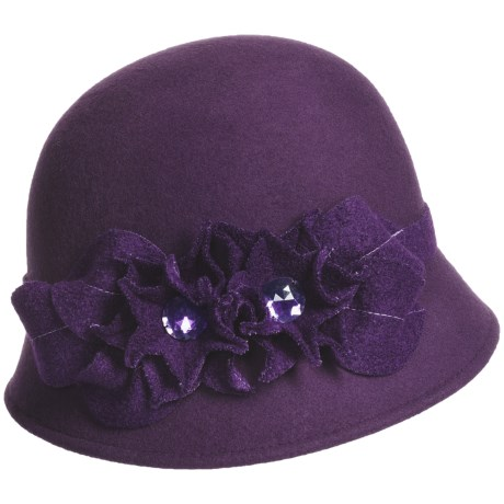 Betmar Floral Boucle Cloche (For Women) in Purple