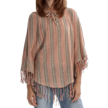 Billabong Boho Goddess Poncho (For Women) in Georgia Peach