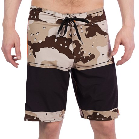 Billabong Invert Boardshorts (For Men) in Dessert Camo