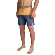 Billabong Shifty Lo Tides Boardshorts (For Men) in Gold - Closeouts