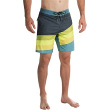 Billabong Slice Lo Tides Boardshorts (For Men) in Lime - Closeouts