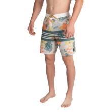 Billabong Spinner Lo Tides Boardshorts (For Men) in Natural - Closeouts