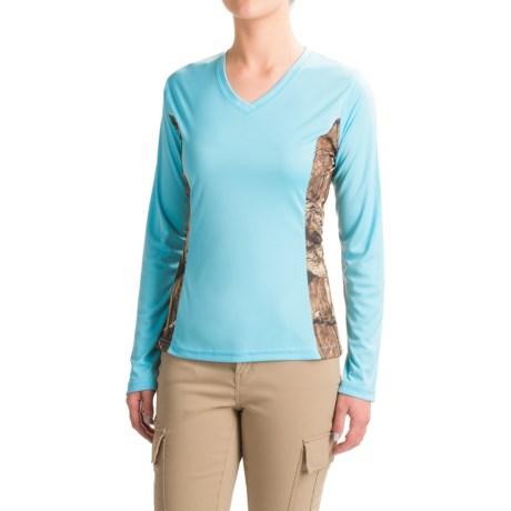 Bimini Bay Camo T-Shirt - UPF 30, V-Neck, Long Sleeve (For Women) in Powder Blue
