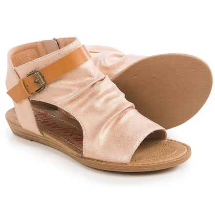 Blowfish Barend Sandals (For Little and Big Girls) in Rose Gold Meteorite Metallic/Desert Sand Pisa - Closeouts