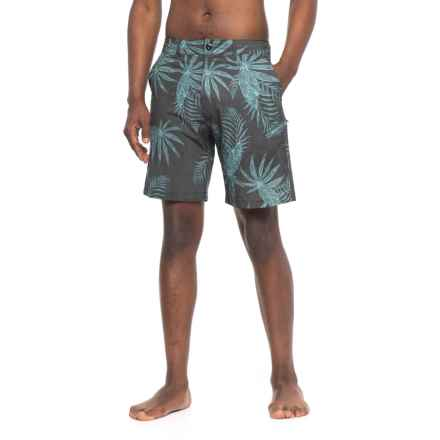 Body Glove Middles Vapor Hybrid Swim Trunks (For Men) in Black - Closeouts