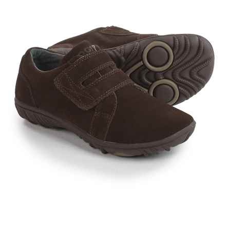 Bogs Footwear Wall Ball Shoes - Suede (For Big Kids) in Chocolate - Closeouts