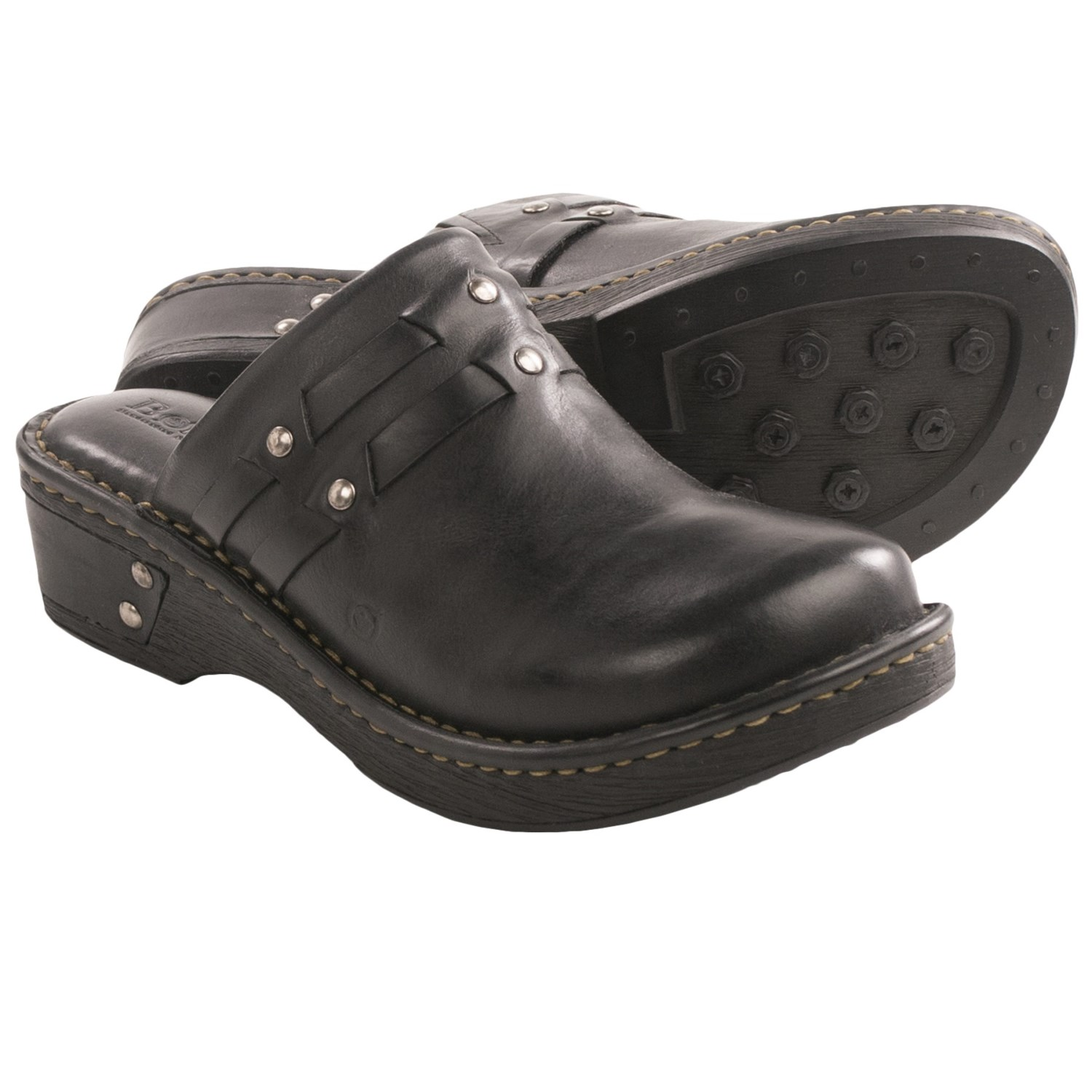 Premium leather and expert innovation make women's clogs and mules perfect for any cut of jeans or add an unexpected finish to a romantic dress.