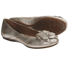 Born Lovely Shoes - Leather, Flats (For Women) in Panna Cotta Metallic - Closeouts