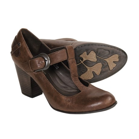 Born Ofelia Bay Vintage T-Strap Shoes (For Women) in Bay Brown/Vegetable Leather
