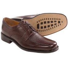 Bostonian Pollino Oxford Shoes - Lace-Ups (For Men) in Burgundy - Closeouts