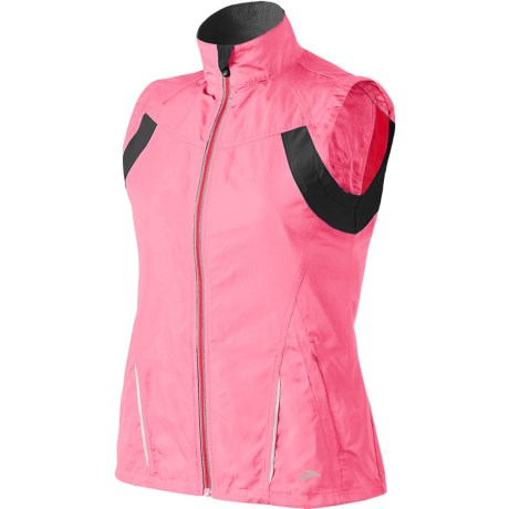 Brooks Nightlife Essential Run Vest II (For Women) in Brite Pink/Anthracite