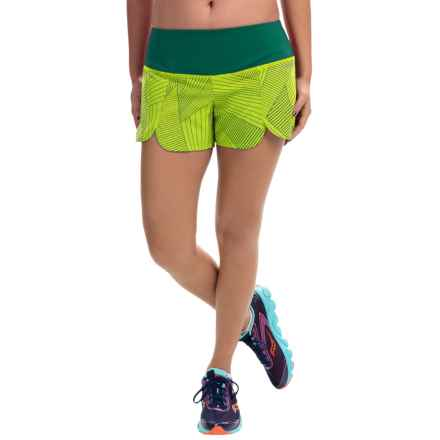 """Brooks Racey 3.5"""" Shorts (For Women) in Nightlife Big Sunshine/Kale - Closeouts"""