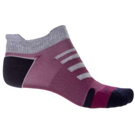 Brooks Ravenna Double Tab Running Socks - Below the Ankle (For Men and Women) in Asphalt/Red