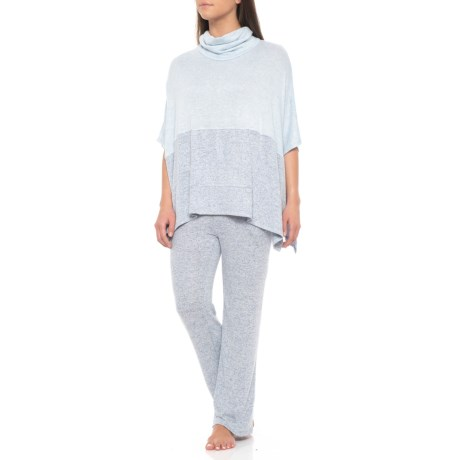 Image of Brushed Poncho and Track Pants Set (For Women)